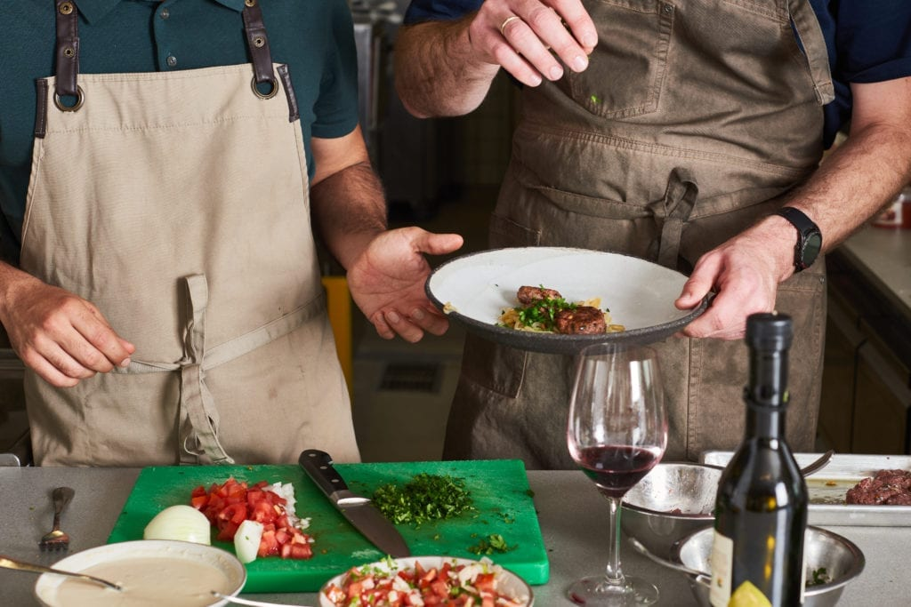 במטבח הניסיונות שלנו עם המייסד של redefine meat